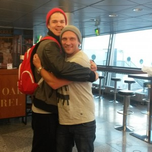 We were so busy running, from a meeting to another, that, we couldn't find the time, to get a photo taken from us... this is from Helsinki Airport, a manly hug, on the last minute call.