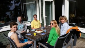 Here's the crew partying Mother's day. Here I must mention the fabulous cake, baked my brother Veikko!