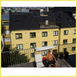 My friend has a tiny apartment in HKI, but access to THIS roof!