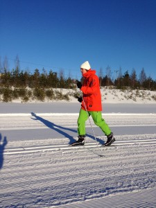 Yesterday was a sunny skiing-day! Nordic skiing used to be very boring before, when I could ski really well… Now I can't, but it's very exciting to try to re-learn it!