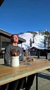 Bluebird sky, a good meal and everything else going superb, too... make me look like this! :)